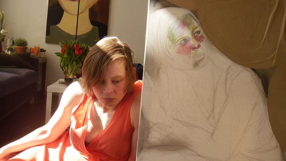 Jana Schulz bei der Arbeit im Atelier